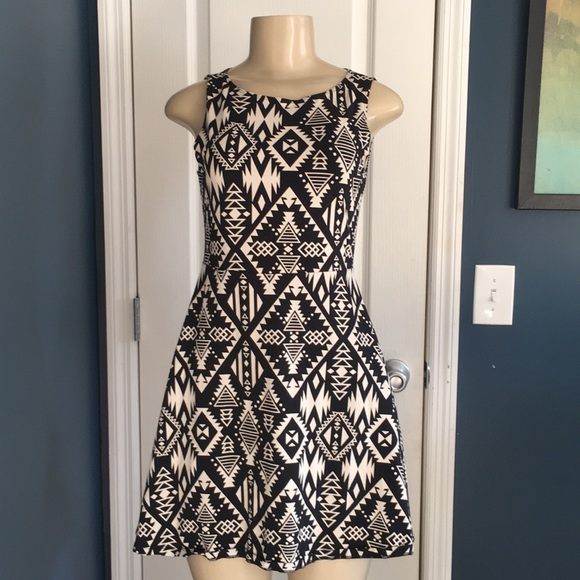 PINK Victoria's Secret Dresses & Skirts - PINK Victoria's Secret fit n flare dress sz S